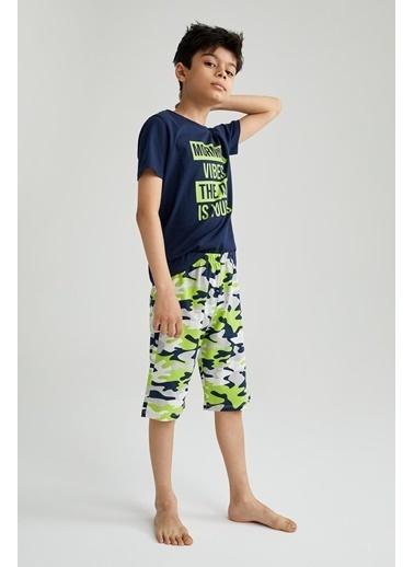 DeFacto Erkek Çocuk Kamuflaj Desenli Kısa Kollu Pijama Takımı Lacivert